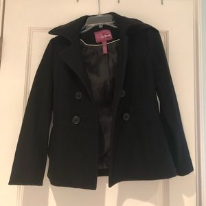 Black buttoned coat
